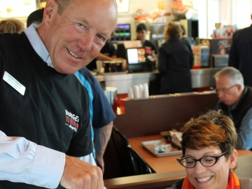 Kerry serving root beer at A&W's Burgers to Beat MS