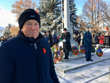 At-Berverely-Cenotaph-November-11-2019-