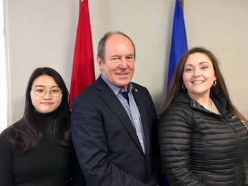 Glad-to-meet-Edmonton-students-Aimee-Forestier-and-Yourin-Min-who-came-by-our-Edmonton-constituency-office-today.-March-1-2019