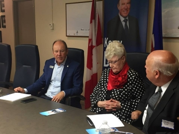 Hosting a roundtable discussion about the federal Liberals' unfair values test for the Canada Summer Jobs grant program - August 16, 2018