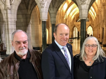 Meeting up with constituents Mary and Robert during their visit to Ottawa - Oct 19 2017