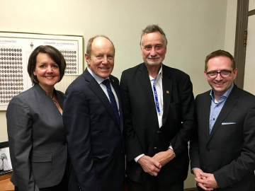 Meeting with representatives from the Canadian Real Estate Association - Oct 16, 2017