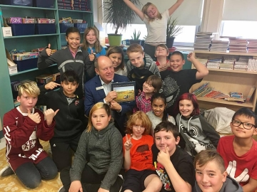 Reading to students at Beacon Heights Elementary school - Oct 6,2017