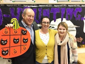 Touring Rundle Heights' Out of School Care program - Oct 13, 2017