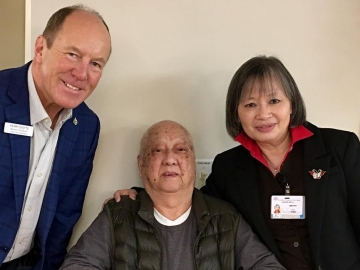 Visiting the Chinese Seniors Lodge - Dec 22, 2017