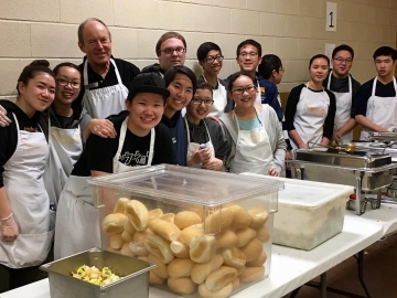 Volunteering at Hope Mission with Evangel Baptist Church members - Dec 15, 2017